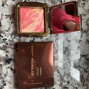 Hourglass blush shade diffused heat